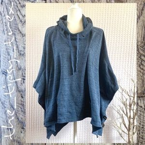Xersion Poncho Hoodie (One size fits most)